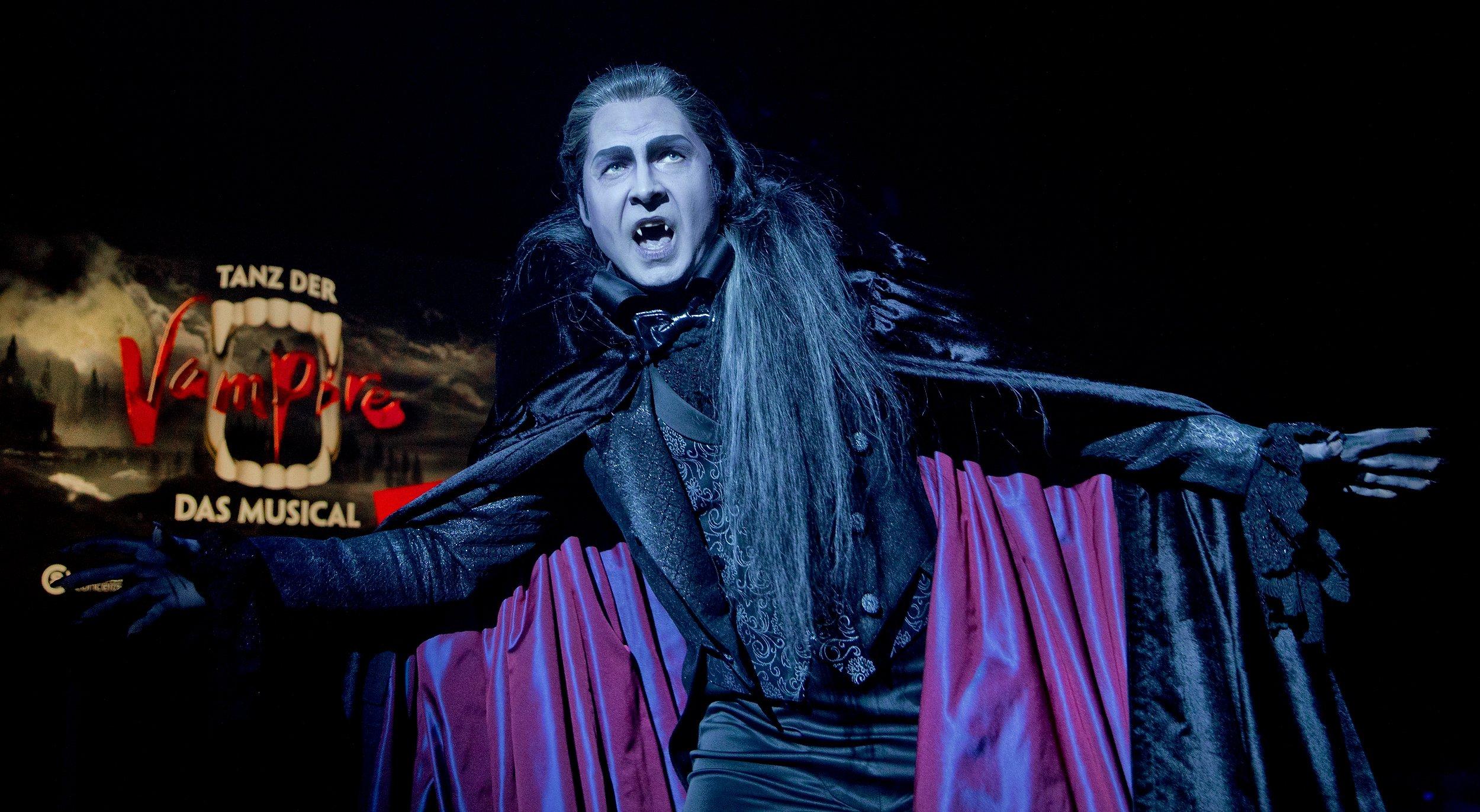 Tanz Der Vampire David Arnsperger Wird Graf In Köln