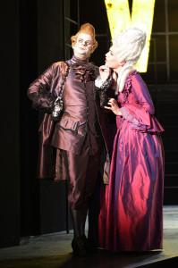Adam Fenger als Conte und Roberta Valentini als Henriette in Casanova (Dessau)
