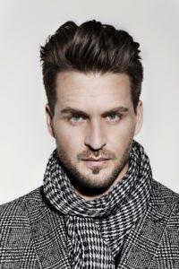 Alexander Klaws Porträt mit Schal