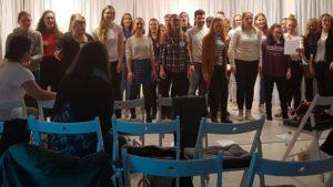 Alle Teilnehmer singen