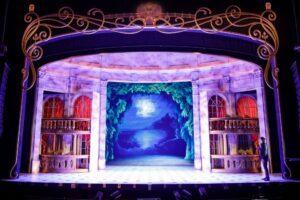 Die Bühne von Anastasia -Das Musical