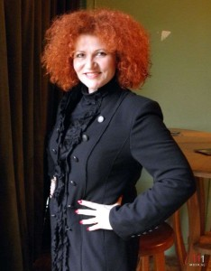 Brigitte Oelke vor dem Konzert
