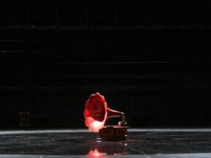 Grammophon auf Bühne