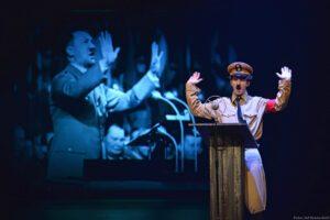 chaplin_das_musical_diktator