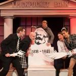 COMEBACK – Das Karl-Marx-Musical macht sich auf nach London