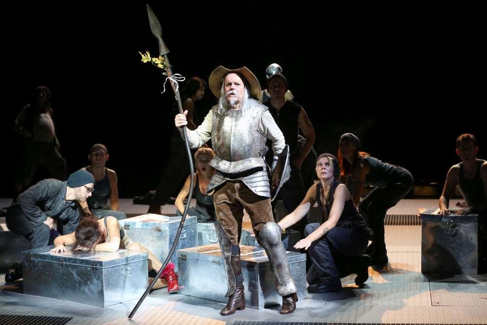 Robert Meyer / Der Mann von La Mancha Ensemble