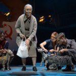 Don Camillo und Peppone Maya Hakvoort als alte Gina