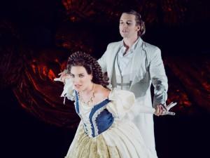 Roberta Valentini als Elisabeth
