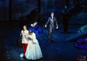 """Der letzte Tanz"" mit dem Tod (Mark Seibert) © Maria Langbecker (Musical1)"