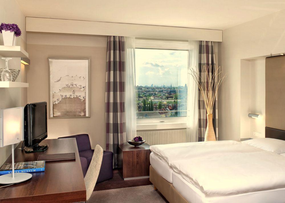Estrel Hotel Junior Suite
