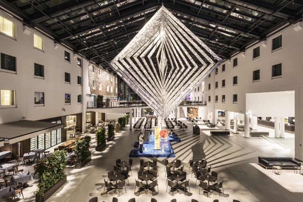 Estrel Hotel Atrium