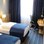 Holiday Inn Express Hamburg Zimmer blau