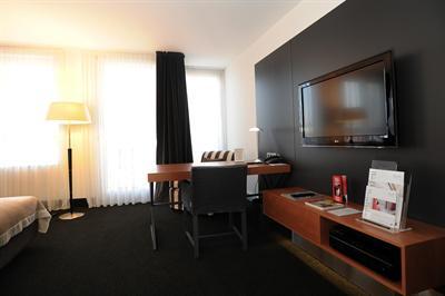 hotel madison hamburg musical1. Black Bedroom Furniture Sets. Home Design Ideas