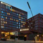 Hyperion Hotel Hamburg Abendansicht