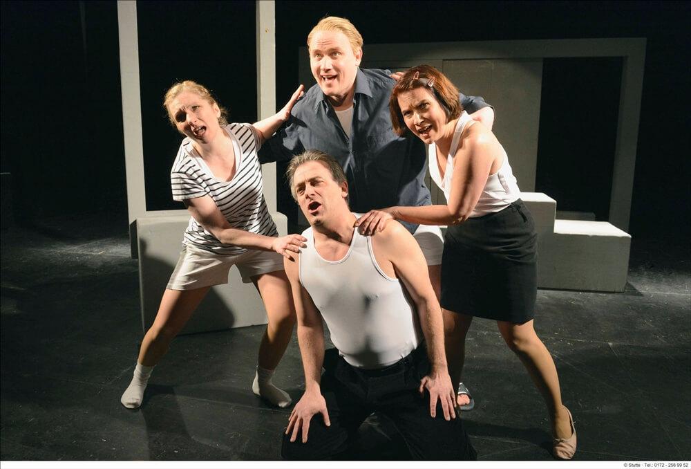 v.l.n.r.: Susanne Seefing, Tobias Wessler (stehend), Markus Heinrich und Gabriela Kuhn