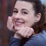 Darsteller-Geschichten – Julia Leinweber spricht über ihr Leben aus dem Koffer