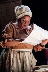 Marion La Marché als Agathe