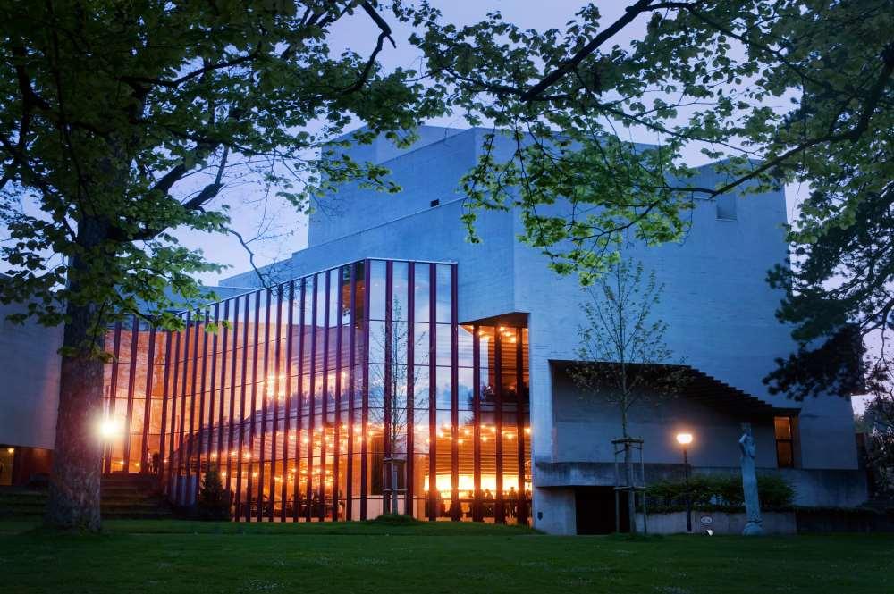 Theater St. Gallen Ansicht vom Park